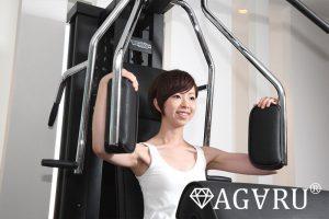 大胸筋を鍛えるにはフライ系とプレス系どっちがいい?