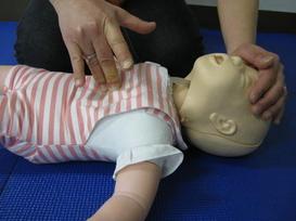 有効な胸骨圧迫(乳児)